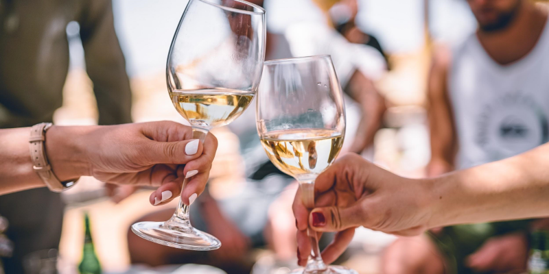 5 Dominant Health Benefits Of White Wines